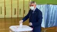 Воронежский губернатор Гусев проголосовал по поправкам в Конституцию