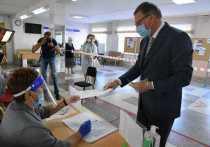 Александр Бурков уже проголосовал за поправки в Конституцию