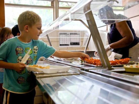 В школы Марий Эл поступает оборудование для пищеблока