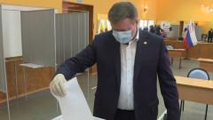 Рязанский губернатор с семьей проголосовал по поправкам в Конституцию
