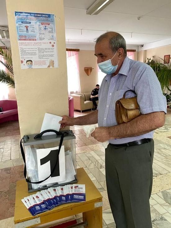 В Железноводске открылись участки для голосования по поправкам в Конституцию РФ