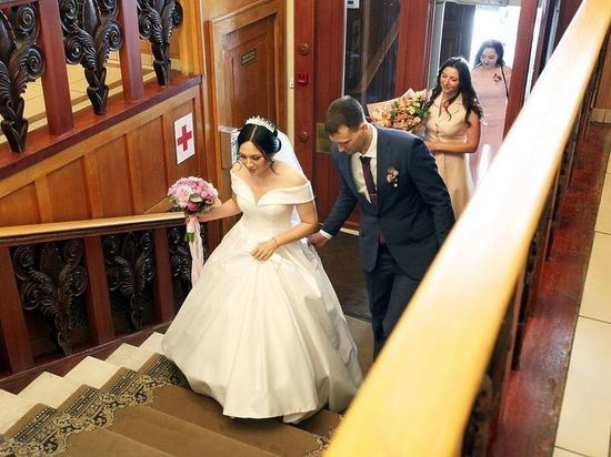 Из-за коронавируса москвичи стали реже жениться и разводиться
