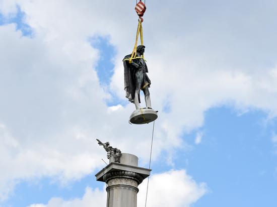 Трамп готовит «очень мощный» документ, предусматривающий лишение свободы за уничтожение монументов