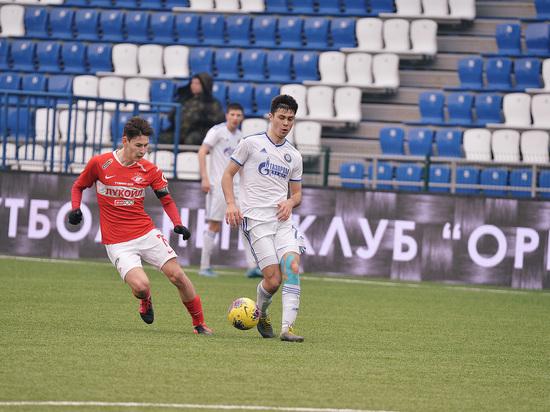 У игроков оренбургской футбольной команды обнаружен covid-19