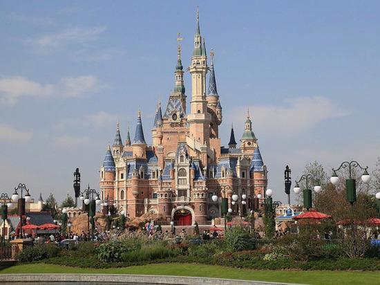 Disney пришлось изменить тематику аттракционов, которые обвинили в расизме