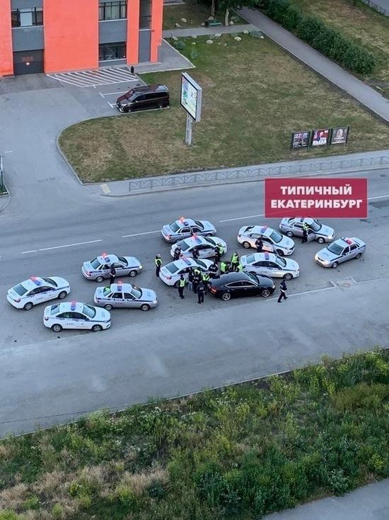 В Екатеринбурге 11 машин ГИБДД устроили погоню за Audi A7