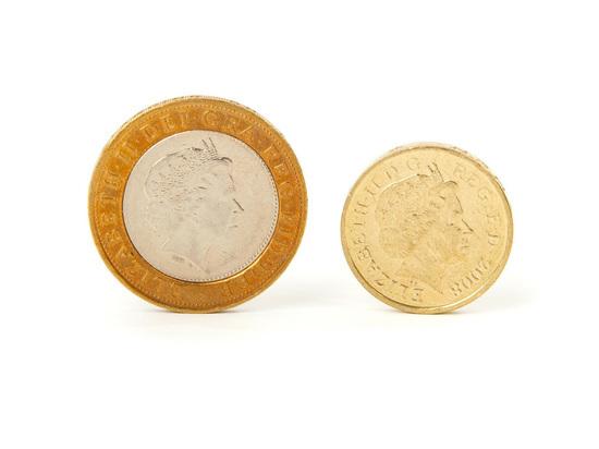 Аналитики: фунт стерлингов стал похож на валюту развивающихся стран