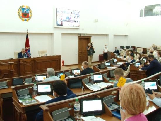 Алтайские депутаты позволили себе вольность при голосовании за поправки