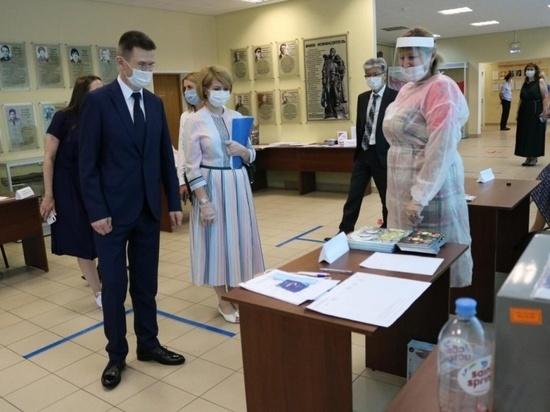 Серпуховские УИКи проинспектировали Александр Чупраков и Юлия Купецкая