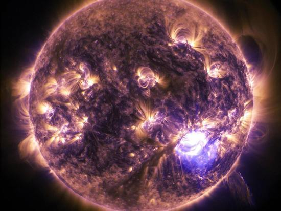 Обнаружены новые частицы, выделяемые Солнцем