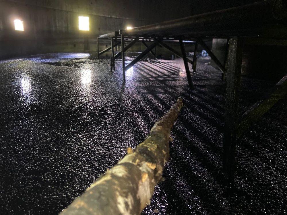 На территории Тульского комбайнового завода разлиты нефтепродукты