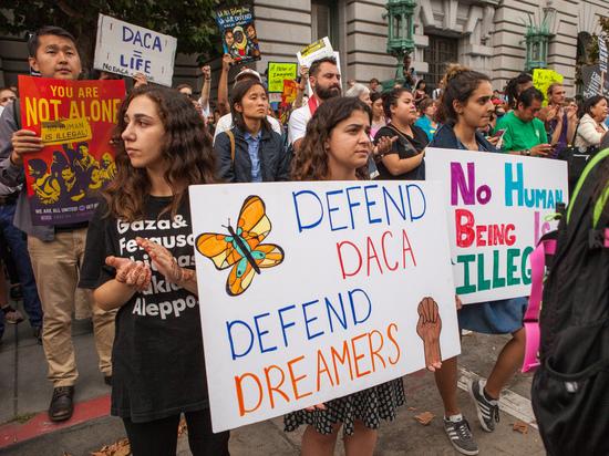 «Мечтатели»: Решение ВС оставило указ Обамы в силе