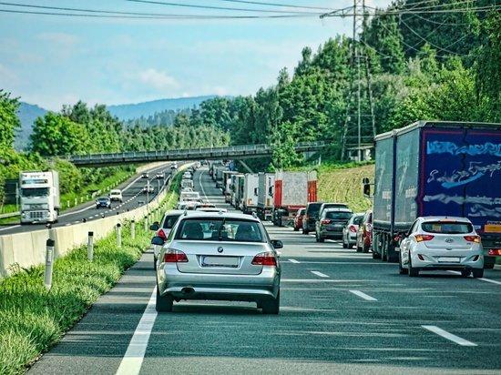 Германия: ADAC предупреждает о пробках на нестандартных направлениях