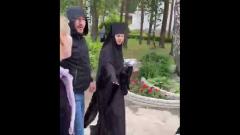 Ксению Собчак избили в монастыре: видео с места