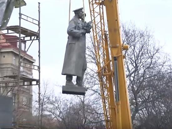 Староста района Прага-6 обвинил Россию в сносе памятника Коневу