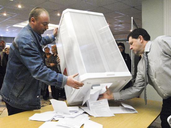Политолог Дмитрий Бабич оценил ход голосования по поправкам в Конституцию