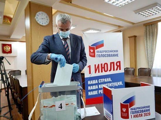 Губернатор Колымы проголосовал за поправки в Конституцию, об этом Сергей Носов написал на своей странице в Instagram
