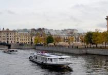 На реки и каналы Петербурга вернулись прогулочные катера