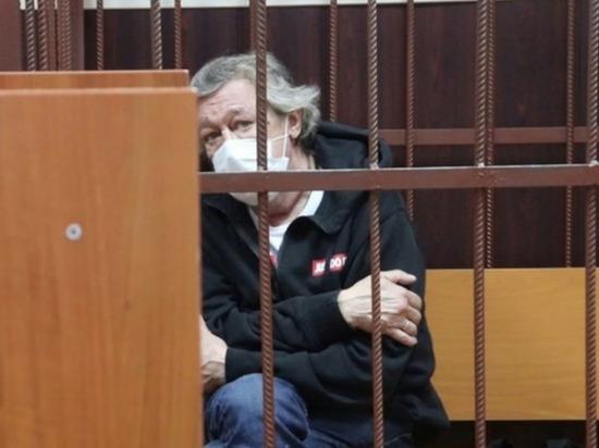Экс-супруга Ефремова: дочь хочет посадить отца в тюрьму