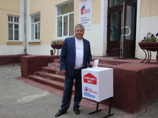 Николай Воробьев принял участие в викторине «Наша Конституция»