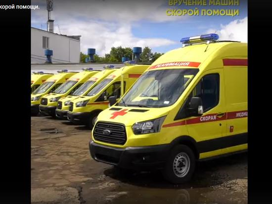 В Кировскую область завезли реанимобили с аппаратами ИВЛ