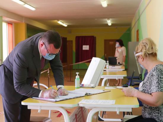 Председатель правительства Тульской области Валерий Шерин проголосовал по поправкам в Конституцию