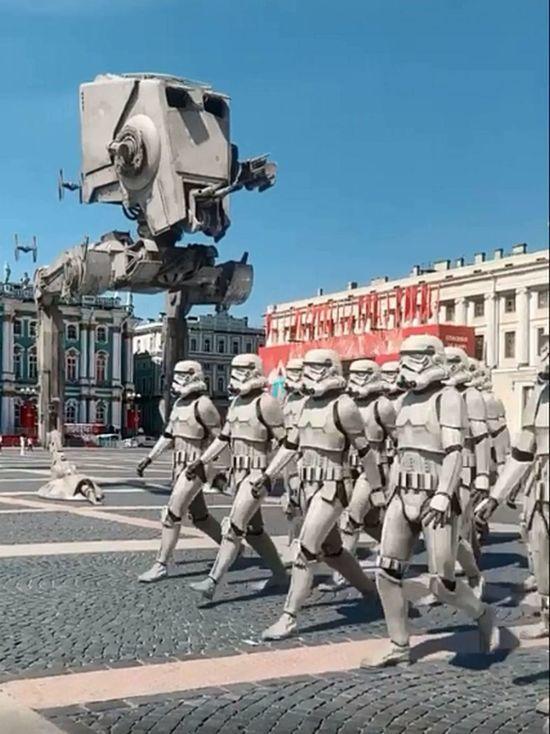 В Параде Победы в Петербурге приняли участие штурмовики из