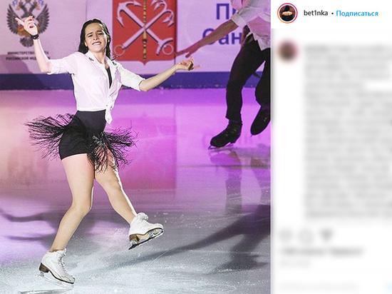 Фигуристка Попова пожаловалась на требования
