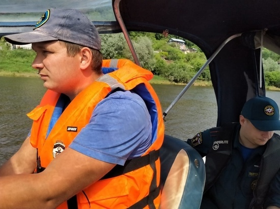 Тульские спасатели разъяснили тулякам правила безопасного поведения на воде