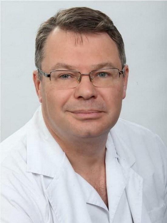 Вечером 24 июня в 40-й больнице Екатеринбурга умер Юрий Мансуров, заведующий вторым хирургическим отделением Свердловской областной клинической больницы №...