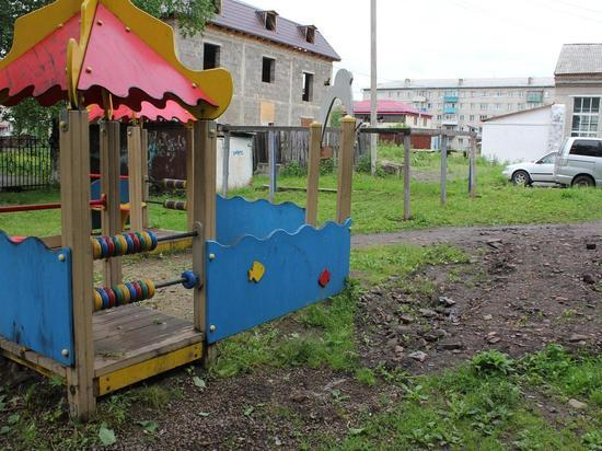 Грязь на детской площадке впечатлила врио губернатора ЕАО