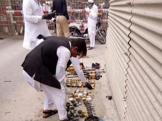 Неизвестные боевики попытались взять штурмом пакистанскую биржу