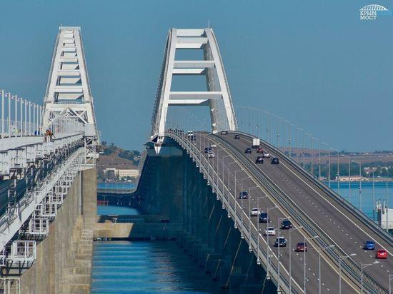 По Крымскому мосту смогут проезжать до 12 пар грузовых поездов в сутки - Аксенов