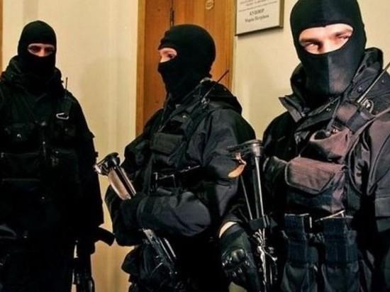 СМИ: в Петербурге идут массовые обыски по делу о взятках
