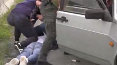 Кадры задержания ФСБ подозреваемого в подготовке теракта во Владикавказе