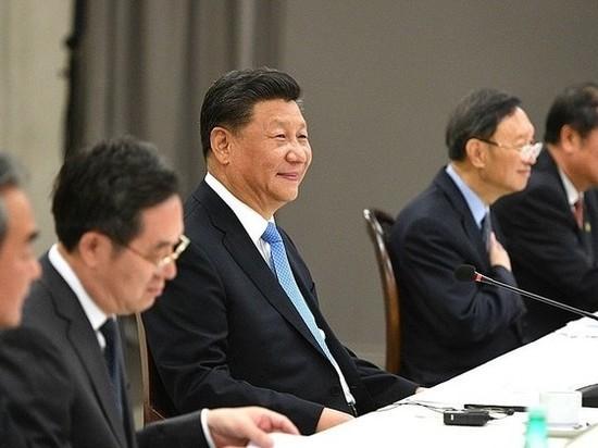 Си Цзиньпин подписал скандальный закон о нацбезопасности в Гонконге