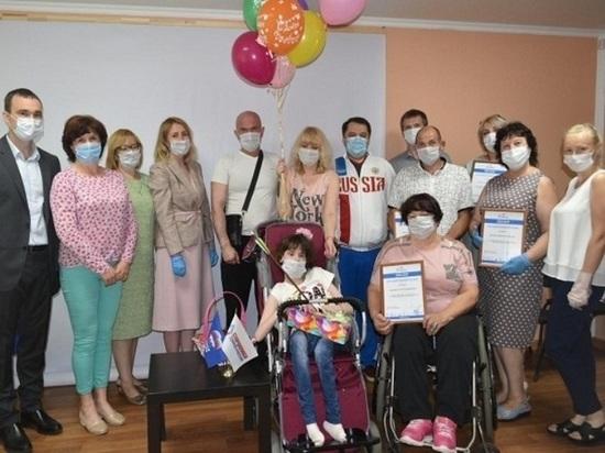 Новую инвалидную коляску купили для юной серпуховички в рамках партийного проекта