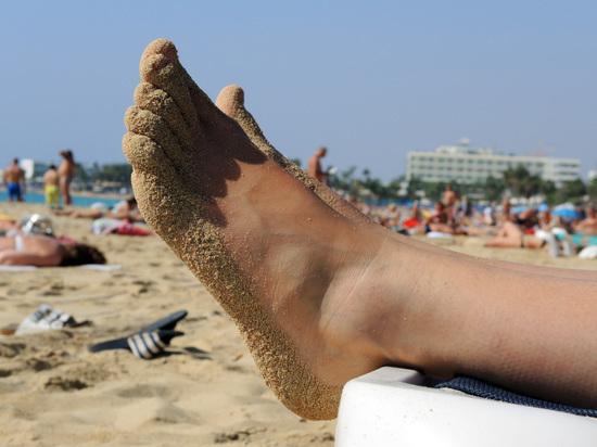 Закопанный братом в песок мальчик задохнулся на пляже в Анапе