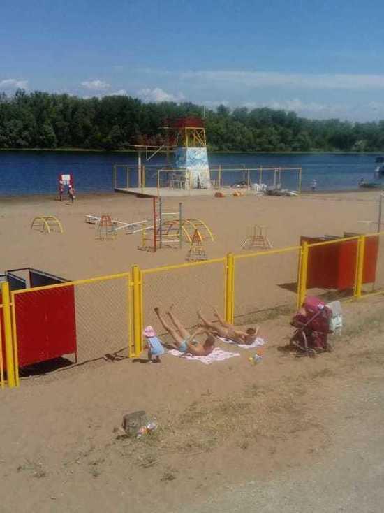 На Энгельсском пляже наконец-то разрешили купаться