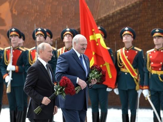 Президенты России и Белоруссии открыли 35-метровый мемориал павшим