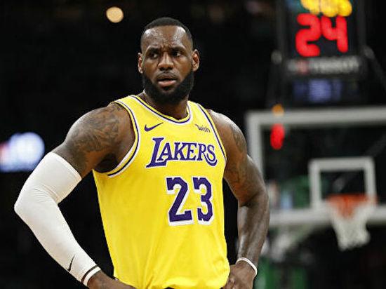 Леброн в гостях у Микки-Мауса: НБА доиграет сезон в Диснейленде