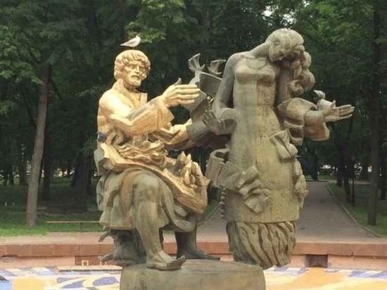 Вандалы покрасили скульптуры Садко и Волховы в Великом Новгороде
