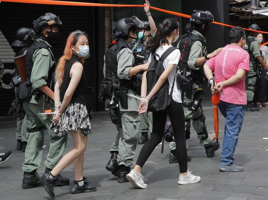 Закон в Гонконге начал действовать: нарушителям грозят пожизненные сроки