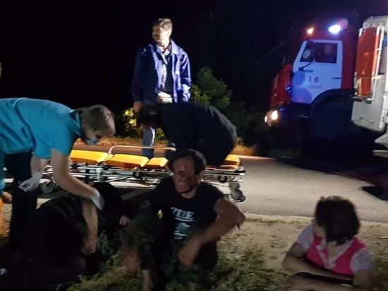 На Дону водитель на легковушке врезался в жилой дом