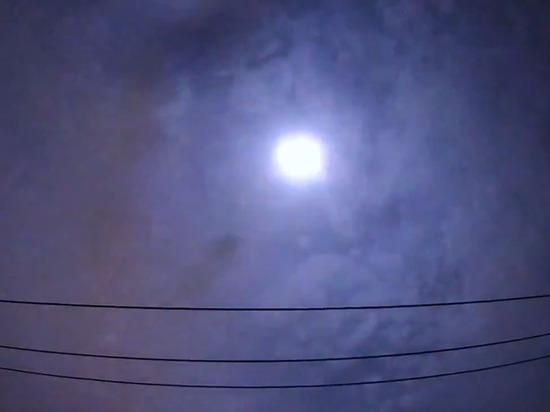 Жители Токио наблюдали падение метеора