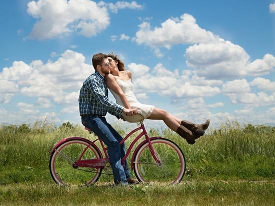 Большая и счастливая любовь ждет три знака зодиака в июле