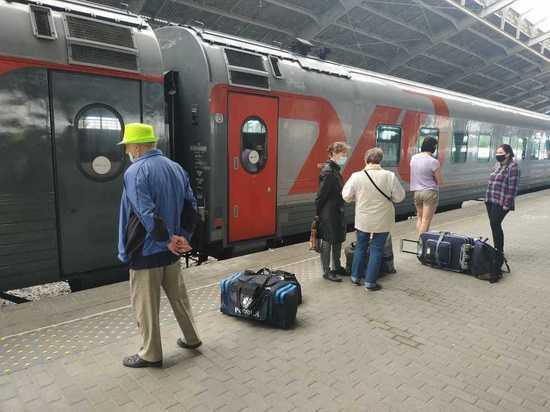 Поезд Петербург - Калининград запустили вновь, но не для всех