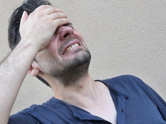 Названы неожиданные причины, вызывающие мигрень