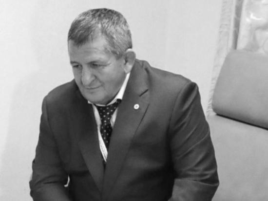 Умер отец и тренер Хабиба Нурмагомедова