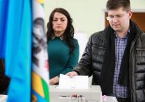 Лидер фракции «СР» Сергей Миронов заявил, что после внесения поправок в Конституцию «было бы логичным шагом» переизбрать Госдуму не в сентябре 2021 года, как положено, а досрочно